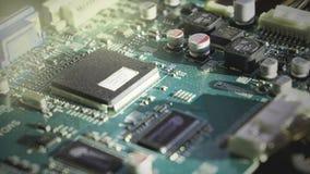 Primer de la placa de circuito electr?nica con polvo fotos de archivo