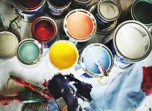 Primer de la renovación de la pintura de casa imagenes de archivo