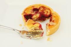 Primer de la tarta de la cereza y de la almendra Imagen de archivo libre de regalías