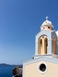Primer de la torre de Belces de una iglesia en Santorini, Grecia Foto de archivo