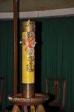 Primer de la vela encendida con la imagen de Jesus Christ Fotos de archivo libres de regalías