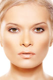 Primer de la vista delantera de la belleza con maquillaje natural Fotografía de archivo libre de regalías
