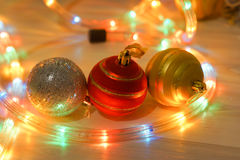 Primer de las bolas rojas de la Navidad Foto de archivo