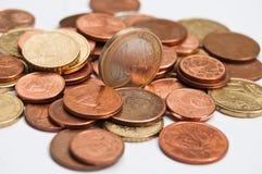 Primer de las monedas de los euros y de los centavos Fotografía de archivo libre de regalías