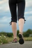 Primer de las piernas que activa Fotos de archivo