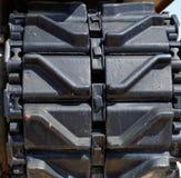 Primer de las pistas o de la pisada viejas del tanque de Sherman Foto de archivo libre de regalías