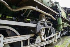 Primer de las ruedas del tren del vapor Fotos de archivo libres de regalías
