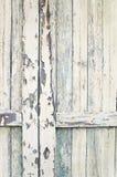Primer de listones en puerta de granero vieja Foto de archivo libre de regalías