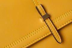Primer de los bolsos de cuero del detalle Foto de archivo libre de regalías