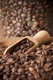 Primer de los granos de café Imagenes de archivo
