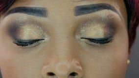 Primer de ojos hermosos almacen de metraje de vídeo