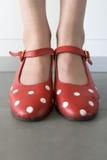 Primer de pies con los zapatos del flamenco Foto de archivo