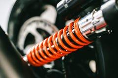 Primer de primaveras, bici grande de la motocicleta de los amortiguadores de choque Foto de archivo