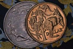 Primer de un australiano moneda de 1 dólar y de 20 centavos Imagen de archivo libre de regalías