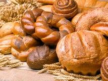 Primer de una aún-vida hermosa del pan, wi de los productos de pasteles Fotos de archivo
