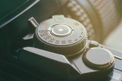 Primer de una cámara retra de la foto del vintage fotografía de archivo