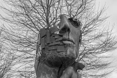 Primer de una escultura del arte en el parque empresarial Regensburg Imagenes de archivo