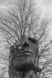 Primer de una escultura del arte en el parque empresarial Regensburg Fotografía de archivo