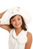 Primer de una muchacha del adolescente en sombrero del verano Imágenes de archivo libres de regalías