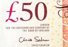 Primer de una nota británica de cincuenta libras fotografía de archivo
