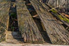 Primer de una paleta de madera resistida Foto de archivo