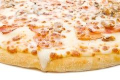 Primer de una pizza Foto de archivo