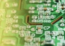 Primer de una placa de circuito impresa electrónica Fotografía de archivo