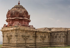 Primer del ala con Vimanam en el templo abandonado en Dindigul foto de archivo libre de regalías
