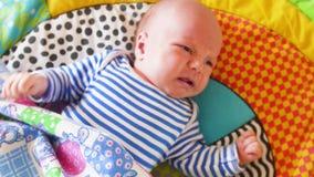 Primer del bebé recién nacido gritador almacen de metraje de vídeo