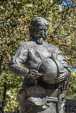 Primer del busto en el monumento de Tasman en Hobart céntrica, Australia imagen de archivo