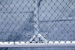 Primer del cercado de la alambrada del metal fotografía de archivo
