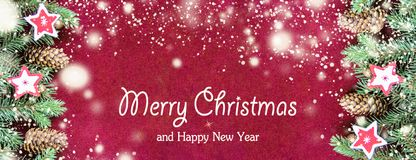 Primer del concepto de la tarjeta de Navidad con las decoraciones del árbol fotografía de archivo
