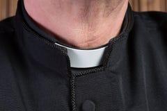 Cuello administrativo del sacerdote imagen de archivo