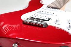 Primer del detalle de la guitarra eléctrica Foto de archivo libre de regalías