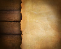Primer del documento de pergamino sobre la madera Foto de archivo