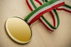 Primer del espacio en blanco de la medalla de oro Imágenes de archivo libres de regalías