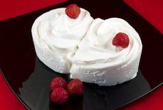 Primer del helado de vainilla con las fresas fotografía de archivo libre de regalías