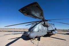 Primer del helicóptero del vintage en el aire y el museo espacial de PIMA Fotos de archivo libres de regalías