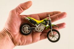 Primer del juguete cruzado de la motocicleta de la moto Imágenes de archivo libres de regalías