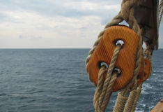 Primer del palo en los veleros tradicionales fotos de archivo