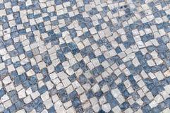Primer del pavimento típico portugués, calcada Imagenes de archivo
