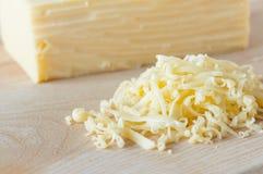 Primer del queso rallado foto de archivo