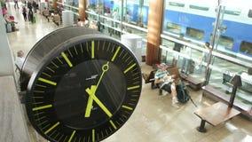 Primer del reloj de la estación de tren almacen de video