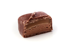 Primer del solo chocolate del turrón con caramelo Foto de archivo