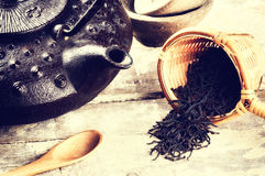 Primer del té negro y de la tetera Foto de archivo