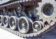 Primer del tanque con la rueda, oruga El tanque americano Fotografía de archivo