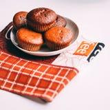Primer delicioso hecho en casa de los molletes del chocolate, horizontal Fotos de archivo libres de regalías