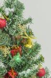 Primer en la decoración del árbol de navidad Imágenes de archivo libres de regalías