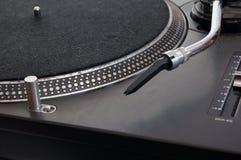 Primer en placa giratoria de DJ Imagen de archivo libre de regalías