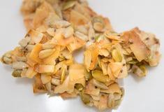 Primer estupendo de las semillas de los racimos del coco imagenes de archivo